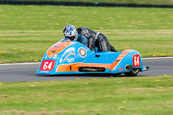 Andy King & Kenny Cole, Sidecar, NG, Cadwell Park, 2011